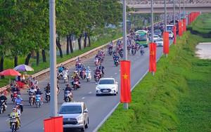 Sợ nắng gắt nhiều cha mẹ đợi đến chiều tối ngày cuối cùng nghỉ Tết mới đưa con từ quê trở lại Sài Gòn