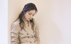"""Mỹ nhân """"Mặt trăng ôm mặt trời"""" Han Ga In tái xuất bằng loạt ảnh đẹp tựa nữ thần"""