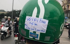 Chàng tài xế công nghệ khiến dân mạng phát sốt vì dòng chữ siêu đáng yêu phía sau mũ bảo hiểm