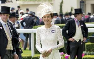Ai là người chi trả cho trang phục tốn kém của các nhân vật hoàng gia Anh? Câu trả lời chắc chắn sẽ khiến bạn ngạc nhiên