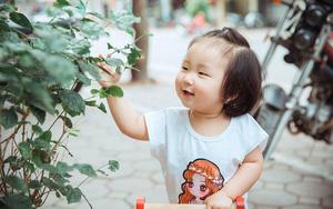 Con gái Tuấn Hưng gây sốt cộng đồng mạng vì vẻ ngoài đáng yêu