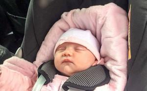 Bé gái 3 tuần tuổi sùi bọt mép sau 2 tiếng ngồi trong xe hơi và lời cảnh báo rất đáng lưu tâm từ bác sĩ