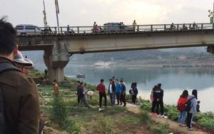 Hòa Bình: Nam thanh niên đang đi trên cầu bất ngờ gieo mình xuống sông Đà