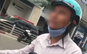 Clip: Nam thanh niên đang đi đường thì được nhờ giao hàng, giữ điện thoại làm tin rồi hứa hẹn trả thù lao hậu hĩnh