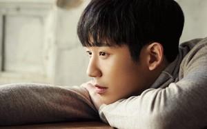 """Jung Hae In đang đốn tim triệu fan nữ với """"chị đẹp"""", nhưng không ai ngờ đến sự thật sau vai diễn này"""
