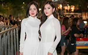 Diện áo dài trắng tinh khôi, Hoàng Yến Chibi - Phương Ly giống hệt chị em sinh đôi