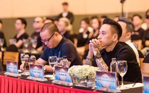 DJ Minh Trí căng thẳng khi đứng chung sân khấu cùng dàn sao hàng đầu thế giới