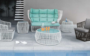 Thiết kế ghế nhựa dẻo đẹp cho góc thư giãn ngoài trời thêm trẻ trung và phong cách