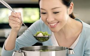 Phụ nữ hiện đại nói không với bếp núc: Chẳng phải sự thể hiện nữ quyền gì, là đoảng hết phần thiên hạ mới đúng