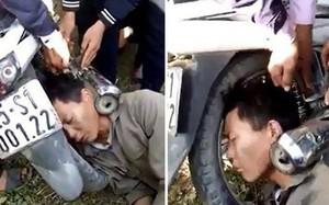 """Người đàn ông bị kẹp đầu vào ống pô xe máy: Tai nạn khiến dân mạng """"đau đầu"""" tìm lời giải"""