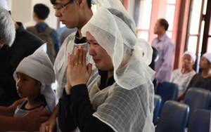 Đám tang đẫm nước mắt tiễn đưa thi hài lái tàu vụ tai nạn lật tàu ở Thanh Hóa về nơi an nghỉ cuối cùng
