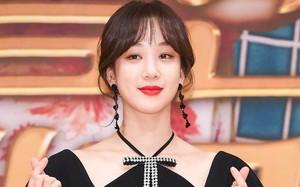 """Đây chắc chắn là đôi khuyên tai """"hot"""" nhất xứ Hàn lúc này vì đang được cả loạt sao cùng diện"""