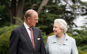 """Người đàn ông """"thầm lặng"""" bên cạnh Nữ Hoàng Anh bước sang tuổi 97"""
