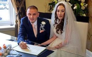 Đám cưới khó quên của cặp vợ chồng son chưa kịp cắt bánh cưới, cô dâu đã vỡ ối ngay tại trận