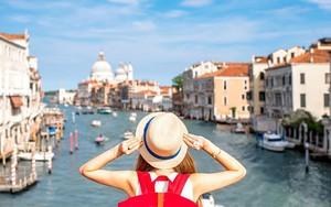 Giải mã giấc mơ: Thấy mình đang đi du lịch