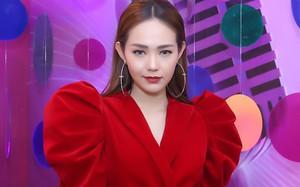 """Minh Hằng bất ngờ bị tố hát live """"phô không ai qua nổi"""", chỉ """"có nhan sắc và biết truyền thông"""""""