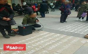 Xin tiền bằng cả tiếng Trung và tiếng Anh: Đúng là 'ăn xin của năm' đây rồi