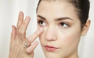 Làm sao để xóa bỏ quầng thâm mắt? Câu hỏi khó đã tìm được đáp án