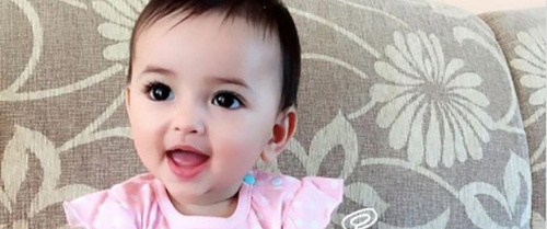 """Lại thêm 1 em bé lai có đôi mắt đẹp hút hồn khiến fan hâm mộ """"phát sốt"""""""