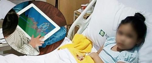 Liên tục xem tivi và ipad trong dịp nghỉ hè, bé gái 6 tuổi lên cơn động kinh và liệt tay trái