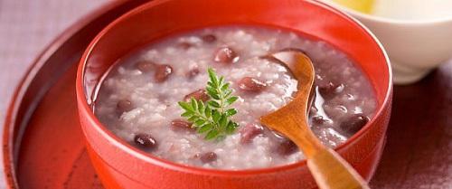 Người bị bệnh sốt xuất huyết tuyệt đối cần tránh một số thực phẩm để bệnh không nặng thêm