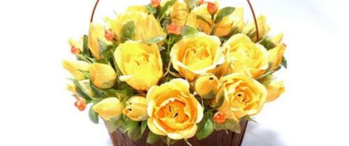 Tự làm giỏ kẹo hoa hồng vàng ngọt ngào đáng yêu