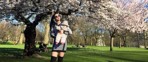 """Mẹ Việt ở Anh """"đẹp xuyên suốt"""" từ khi bầu bí cho đến lúc làm """"bò sữa"""" nuôi con"""