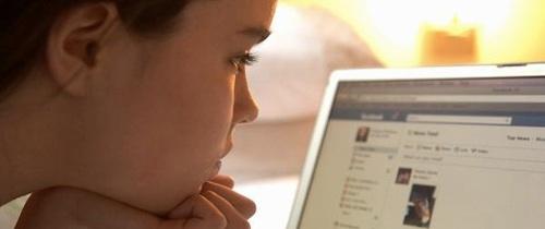 Cảnh báo từ người mẹ có con gái bị kẻ ấu dâm dụ dỗ qua mạng Internet