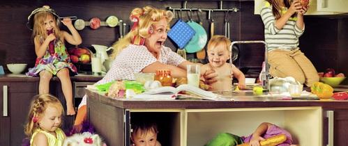 Tin nổi không: Mỗi mẹ nuôi con nhỏ thường hoàn thành đến 36 việc trước 9 giờ hàng sáng