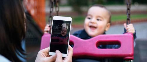 """Cảnh báo trào lưu """"Sharenting"""" tiềm ẩn nguy cơ gây hại cho trẻ nhưng nhiều bố mẹ đang bị cuốn vào"""