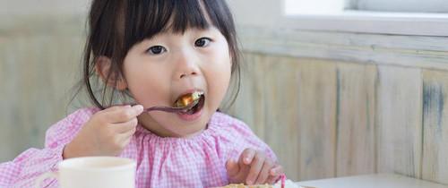 Ăn các loại thực phẩm này, trí não của trẻ sẽ được kích thích phát triển tối đa