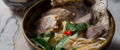 Món ngon cuối tuần: Mì Quảng thịt vịt