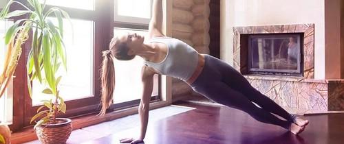 Tập ngay 5 tư thế yoga này để giúp ngăn ngừa chứng vẹo cột sống do đứng ngồi sai tư thế