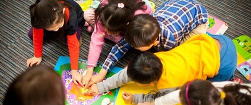 Những hoạt động dạy con tại nhà giúp trẻ thông minh từ bé
