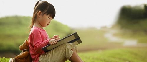 """Catherine Yến Phạm: Ép con học chữ sớm sẽ khiến trẻ """"èo uột và ngắc ngoải"""" khi lớn lên"""