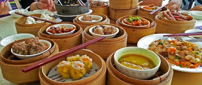 Đầu bếp nổi tiếng Hong Kong hướng dẫn cách ăn dim sum chuẩn như người bản địa