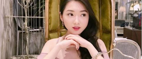 Cuộc sống sang chảnh của Chloe Nguyễn, cô nàng xinh xắn như búp bê kiếm bộn tiền nhờ mạng xã hội