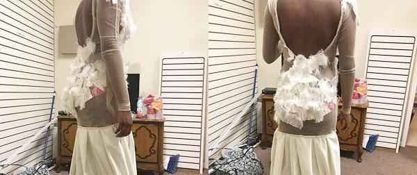 """Bỏ cả """"núi"""" tiền may váy thiết kế, cô gái hết hồn nhận về nùi giẻ lau lai chổi lông gà"""