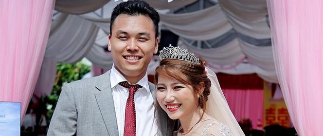 Quen qua mạng, sau 1 tuần gặp gỡ, chàng thạc sỹ ĐH Toronto cầu hôn và đưa toàn bộ tiền cho vợ tương lai giữ