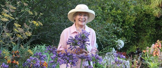 """""""Khu vườn địa đàng"""" của cụ bà 83 tuổi đã dành 33 năm để thỏa mãn tình yêu với cây và hoa"""