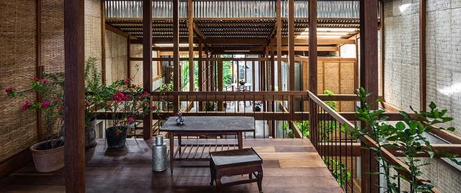 Dùng tấm tôn làm vật liệu chính, ngôi nhà ở Châu Đốc này vẫn khiến báo Tây ngạc nhiên vì quá đẹp