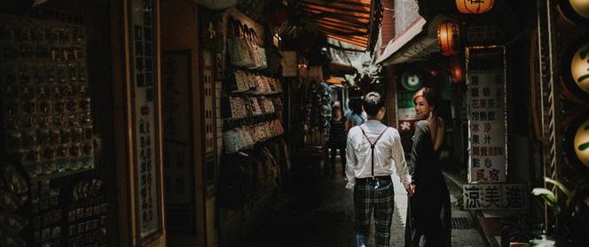 Cặp đôi Việt tại Đài tỏ tình ngay lần đầu gặp mặt, 3 ngày dọn về sống chung, dìu nhau qua 4 năm nghèo khó
