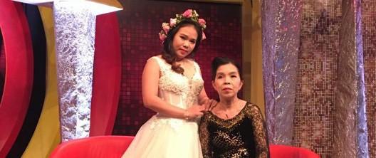 Nàng dâu nổi tiếng MXH vì tự nguyện đưa tiền mừng cho mẹ chồng sau cưới tiết lộ chuyện xúc động phía sau