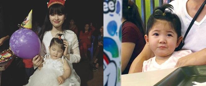 Em bé Lào Cai Yến Nhi đã tròn 2 tuổi, đáng yêu như thiên thần trong tiệc sinh nhật hồng