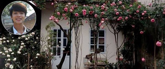 Ngôi nhà hoa hồng đẹp như thơ ở Hưng Yên của ông bố đơn thân quyết phá sân bê tông để thực hiện ước mơ
