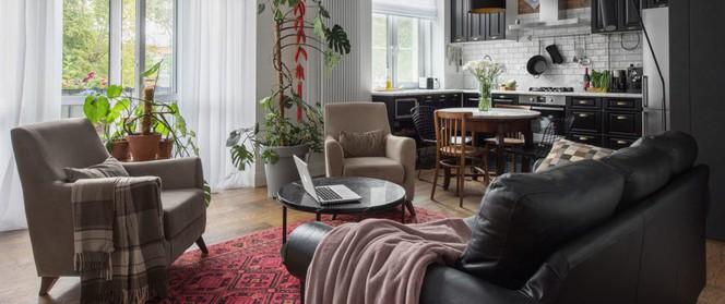 Cải tạo căn hộ từ không gian nhạt nhòa thành rực rỡ sắc màu