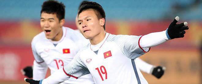 """Nguyễn Quang Hải - chàng """"soái ca"""" Bạch Dương ngoài đời thực"""