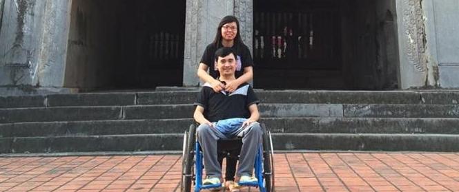 Lá thư xúc động và câu chuyện tình yêu phi thường của cô gái 1 chân dành cho người yêu ngồi xe lăn