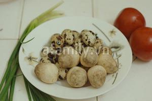 Cơm chiều thật ngon với trứng cút om nấm 2