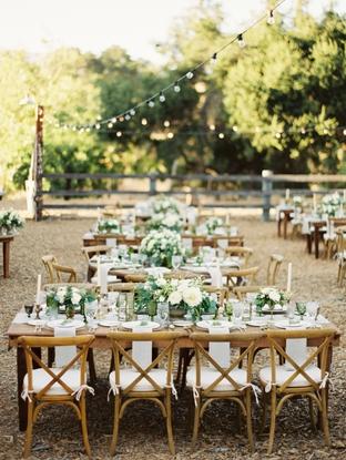 Decor tiệc cưới ngoài trời lãng mạn